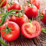 <b>Chiết xuất nuôi cấy mô sẹo cà chua</b> có tác dụng chống oxy hóa, tăng độ đàn hồi, làm sáng da