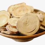 <b>Chiết xuất cam thảo</b>: cung cấp dưỡng chất