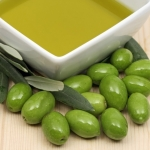 <b>Chiết xuất quả Olive</b> làm dịu da, tái tạo da và giúp da tăng cường sức đề kháng