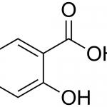 <b>Axit Salicylic</b> giúp kiểm soát và loại bỏ bã nhờn